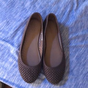 Brand new without tags Universal Threads flats